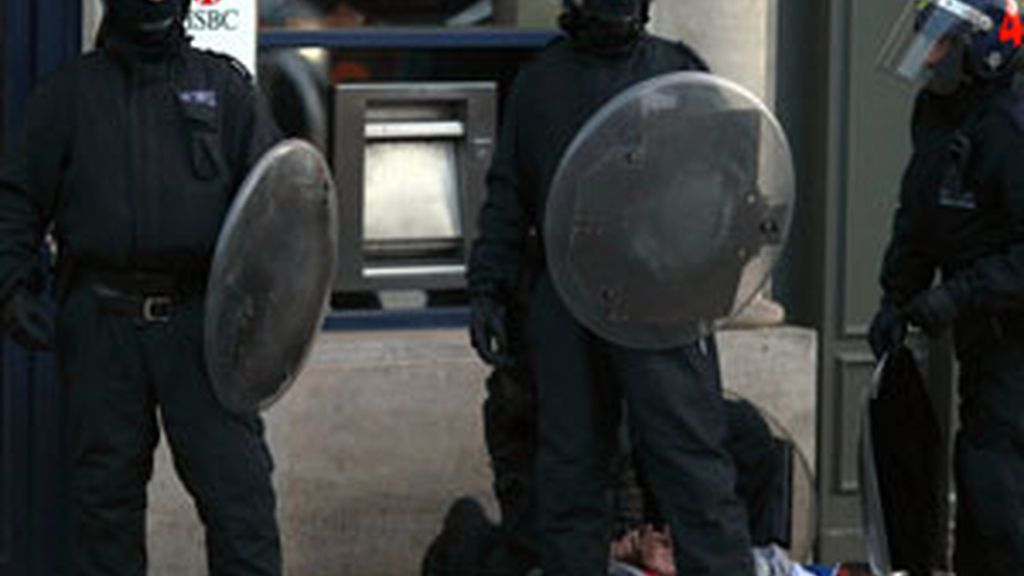 Los disturbios y saqueos que comenzaron en Tottenham se han extendido a otras ciudades FOTO: REUTERS