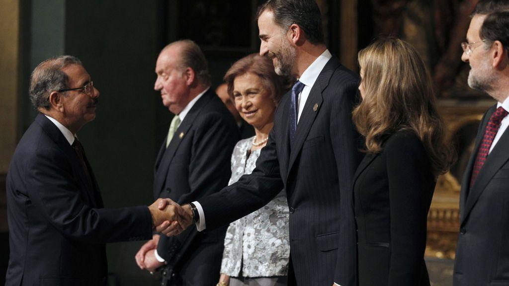 Los Reyes, los Príncipes de Asturias y Rajoy reciben a las delegaciones en el Oratorio de San Felipe Neri