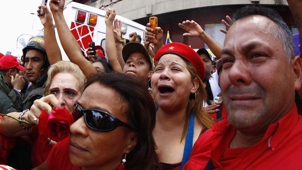 Traslado del féretro de Chávez a la Academia militar en Caracas