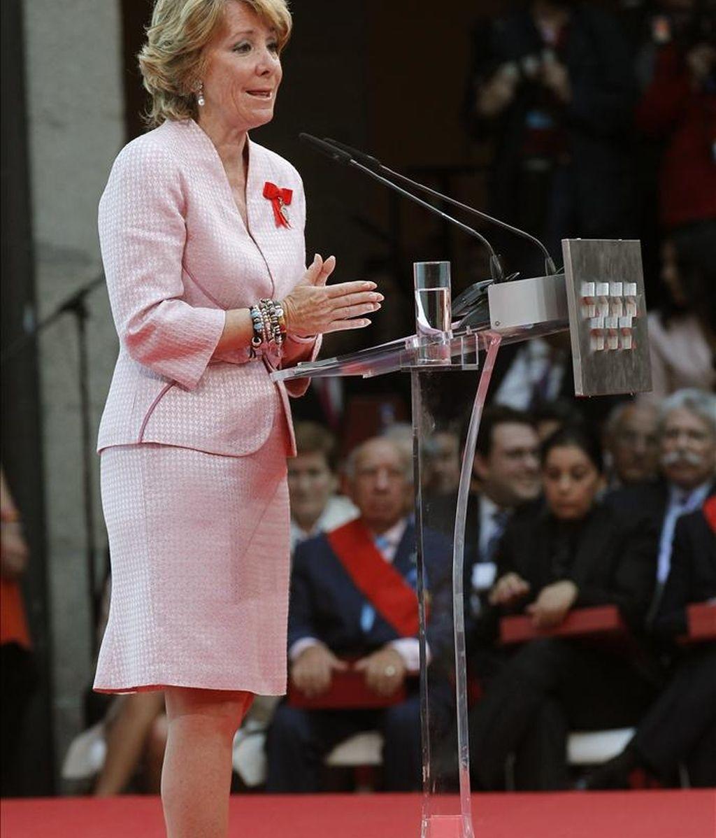 La presidenta de Madrid, Esperanza Aguirre, durante su intervención en los actos oficiales del Día de la Comunidad, en la sede de la Puerta del Sol. EFE