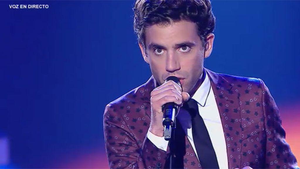 Mika interpreta su tema 'Talk about you'