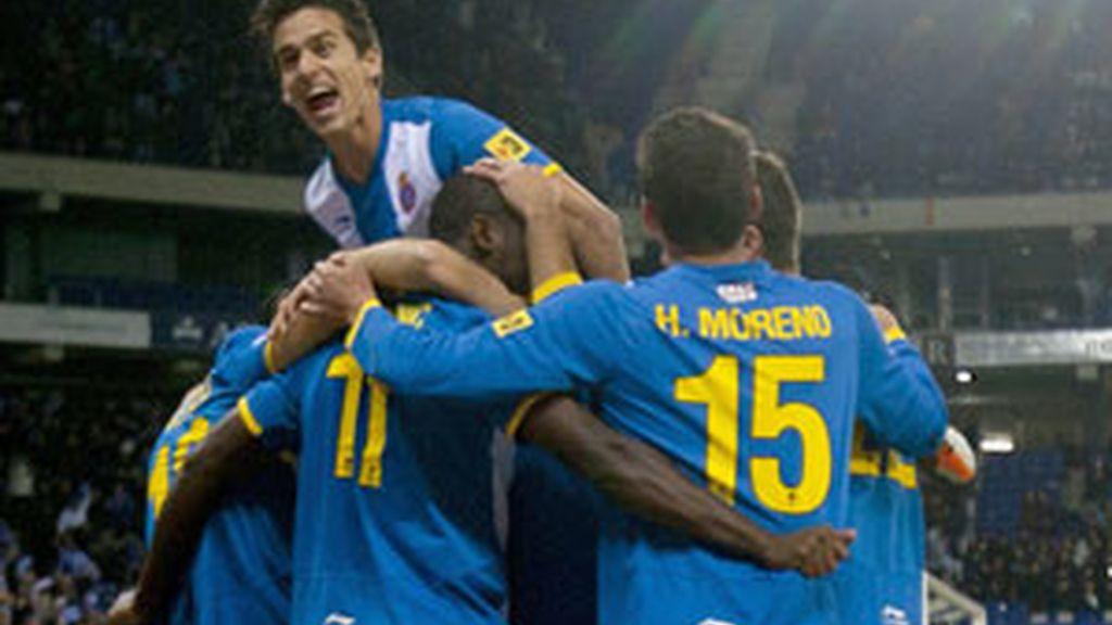 El Espanyol celebra uno de sus goles FOTO: EFE