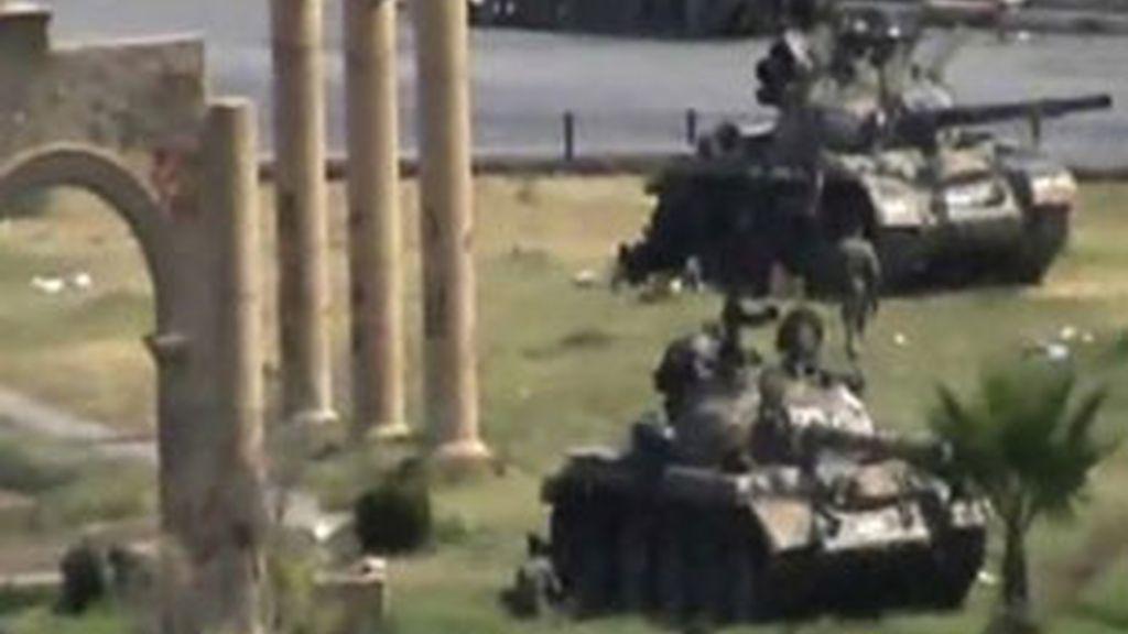 Tanques en Siria. Foto: Reuters.