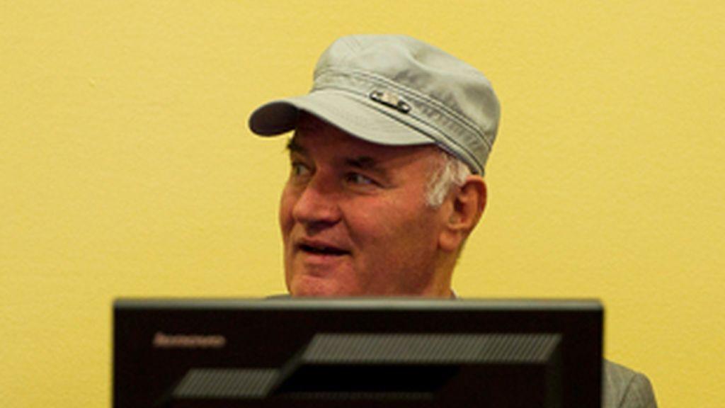 El exlíder militar serbobosnio Ratko Mladic comparece ante el Tribunal Penal Internacional para la antigua Yugosavia. Vídeo: Atlas.