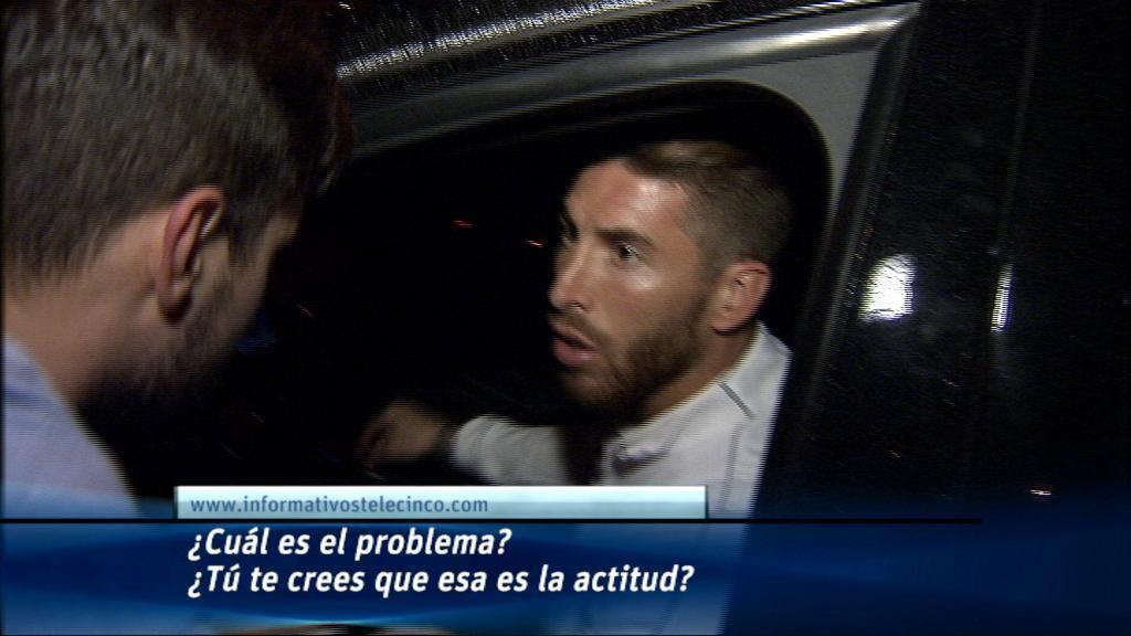 Varios 'aficionados' agreden e insultan a los jugadores del Madrid tras el partido del Barça