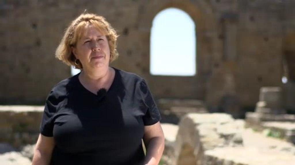 """Mª José, la 'bruja' de Loarre que convierte a Calleja en rapero: """"Tú rapeas en la montaña"""""""