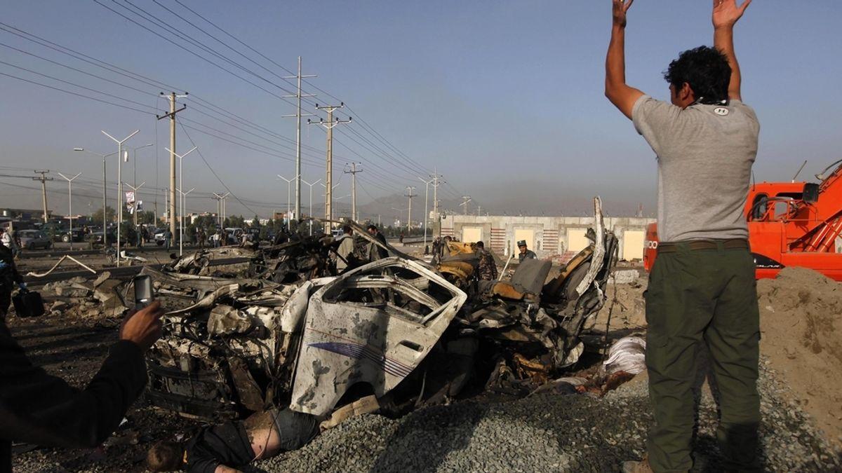 Doce muertos en la explosión de una bomba en un autobús de Afganistán