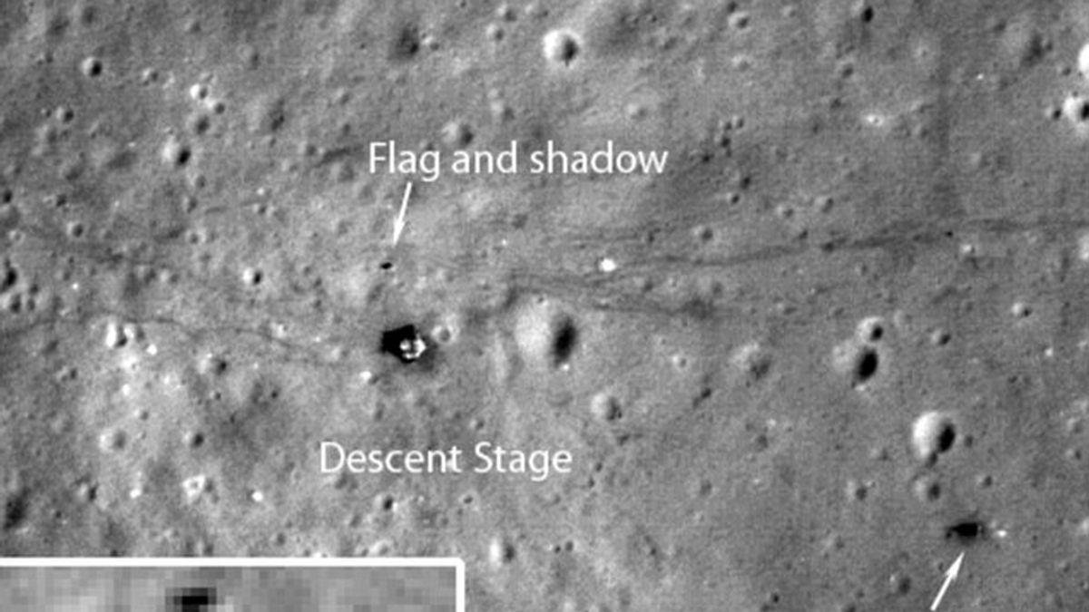 La señal sobre la superficie de Marte dejada por la bandera de Neil Armstrong hace 40 años.