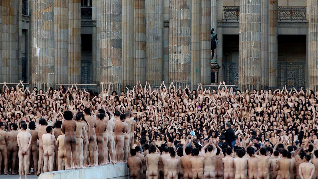 spencer-tunick-videos-naked-world-naked-girls-ass-hole-close-up