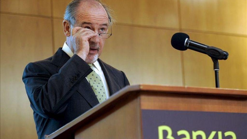 """El presidente ejecutivo de Bankia, Rodrigo Rato, durante la conferencia """"Bankia: Un nuevo banco para afrontar los retos del sistema financiero"""", que pronunció hoy en Valladolid, organizada por la Cámara de Comercio. EFE"""