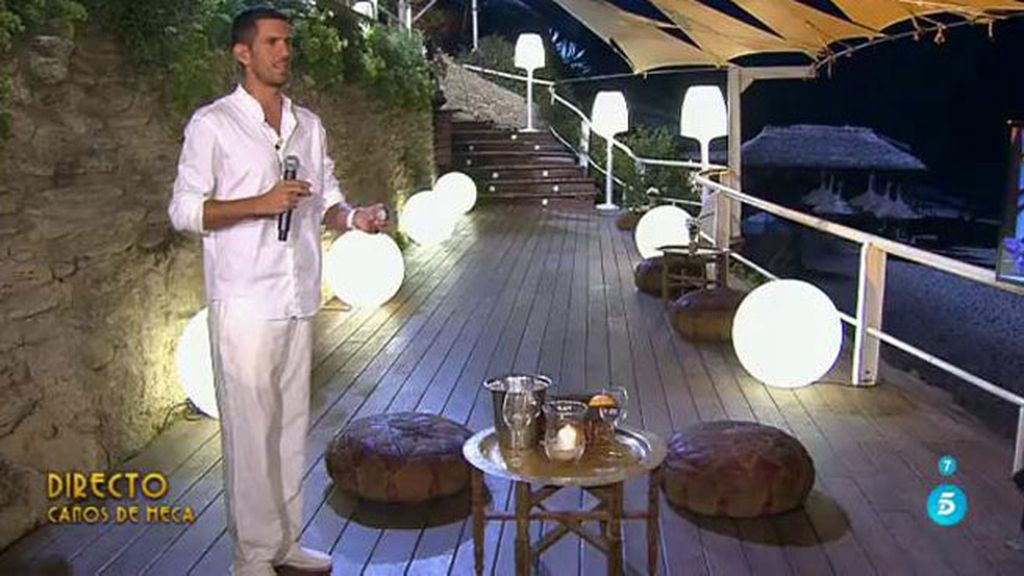 'Cámbiame Premium' le regala a Óscar el anillo de pedida de mano