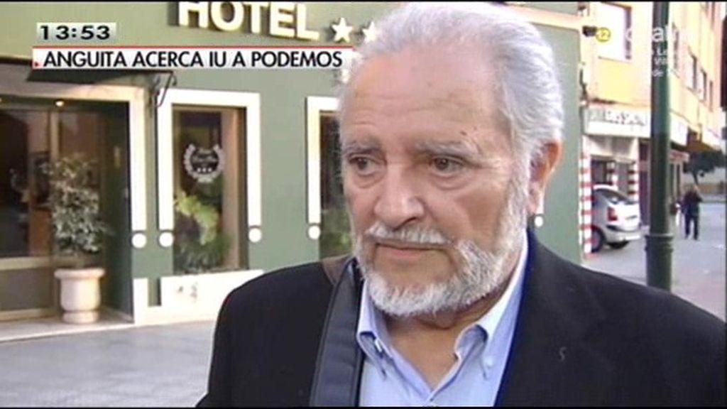 """Julio Anguita: """"Vivo de mi pensión no participo de 'la puerta giratoria' habitual"""""""