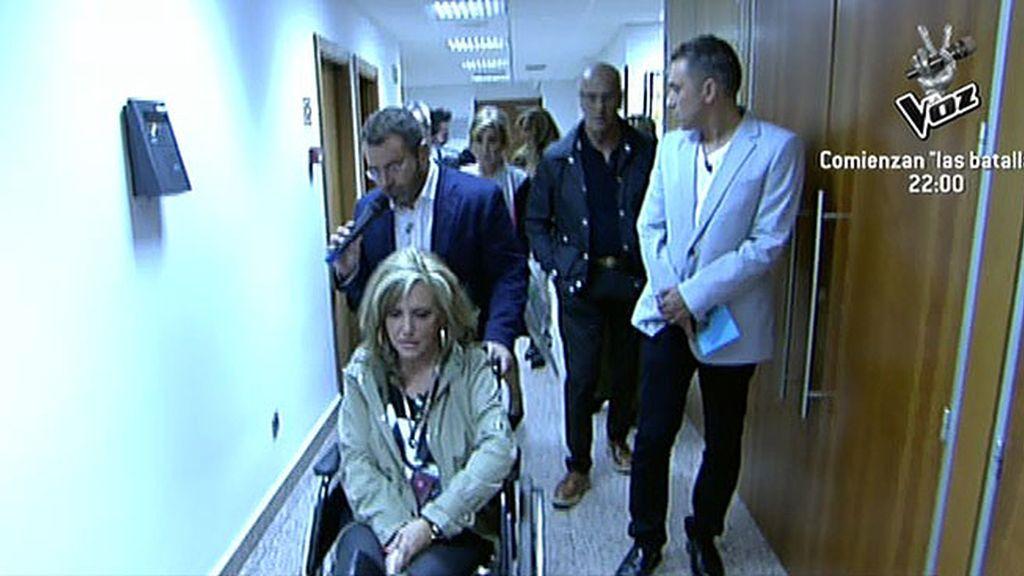 Tras acudir al servicio médico de la cadena es trasladada al hospital