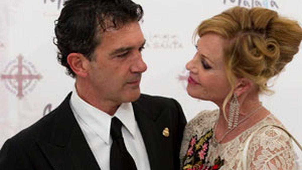Antonio Banderas y Melani Griffith durante el pregón de Semana Santa FOTO:EFE