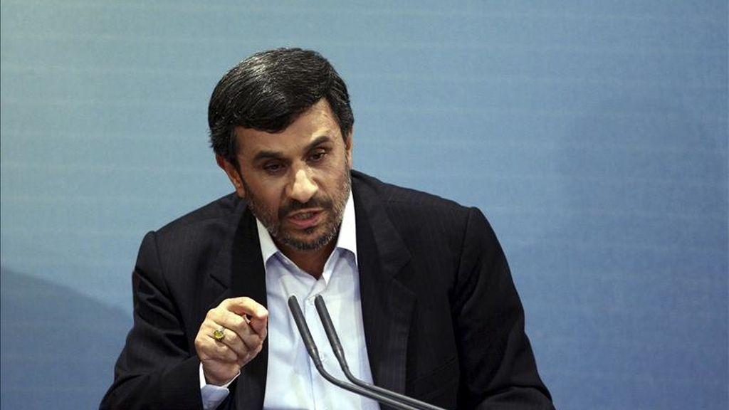 El presidente iraní, Mahmud Ahmadineyad, comparece ante los medios en Teherán, Irán. EFE/Archivo