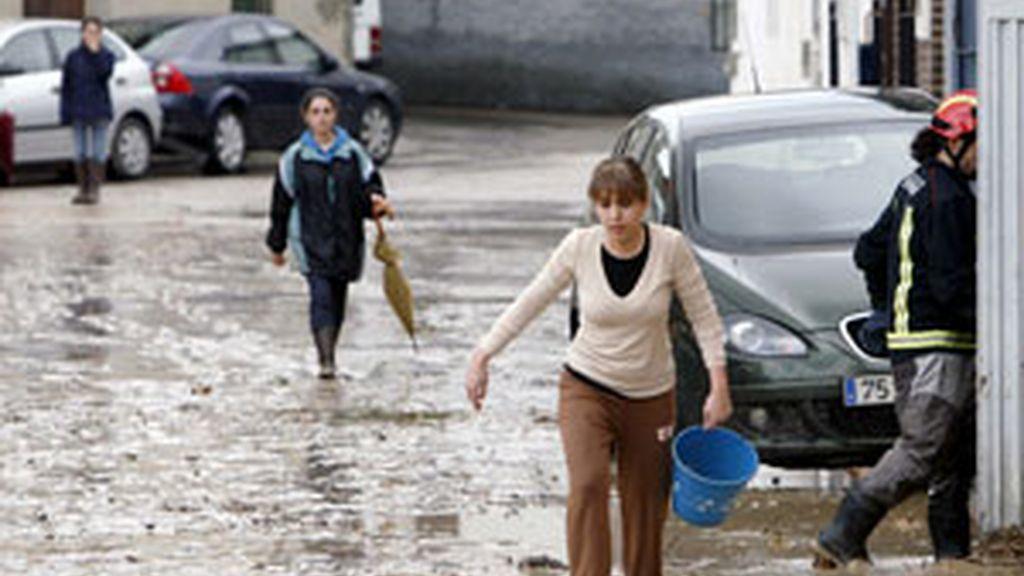 Inundaciones en la localidad toledana de Cebolla. FOTO: EFE