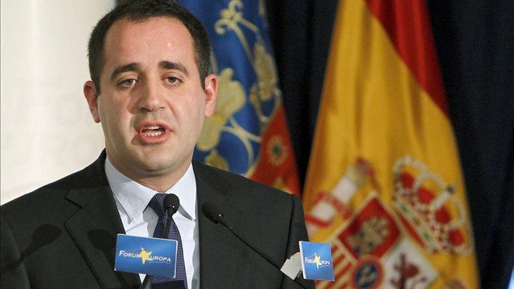 En la imagen, el secretario general de los socialistas valencianos y candidato a la Presidencia de la Comunidad Valenciana, Jorge Alarte, durante su intervención hoy en el Fórum Nueva Economía, organizado en Madrid. EFE