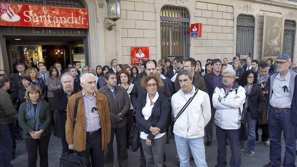 Fachada de una sucursal del Banco Santander de Barcelona. EFE/Archivo