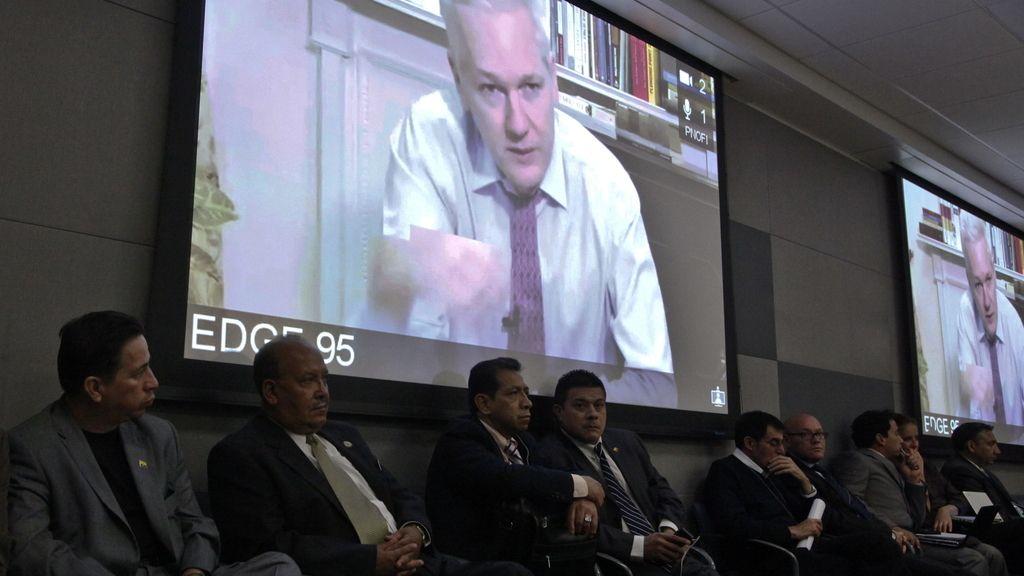 El fundador de Wikileaks desde la embajada de Ecuador