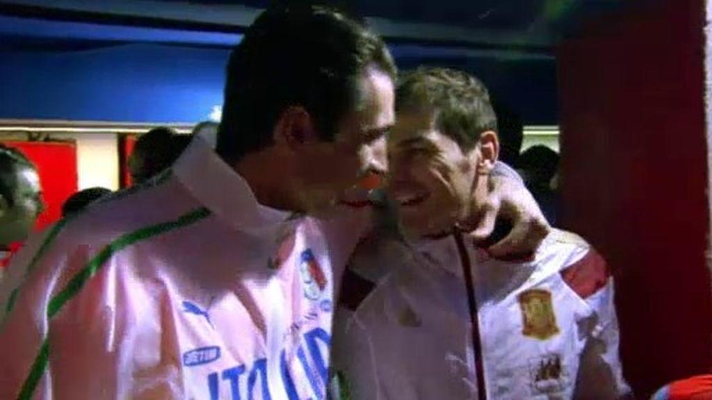 """Casillas: """"Es una tontería pero sí, duermo con un pantalón corto de Buffon"""""""