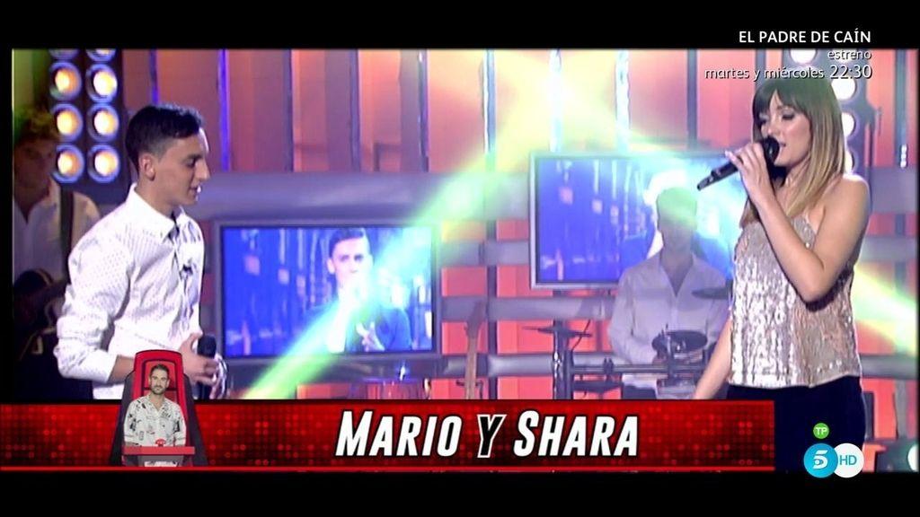 Mario y Sahra Lee, del equipo Melendi, cantan 'Colgando en tus manos'