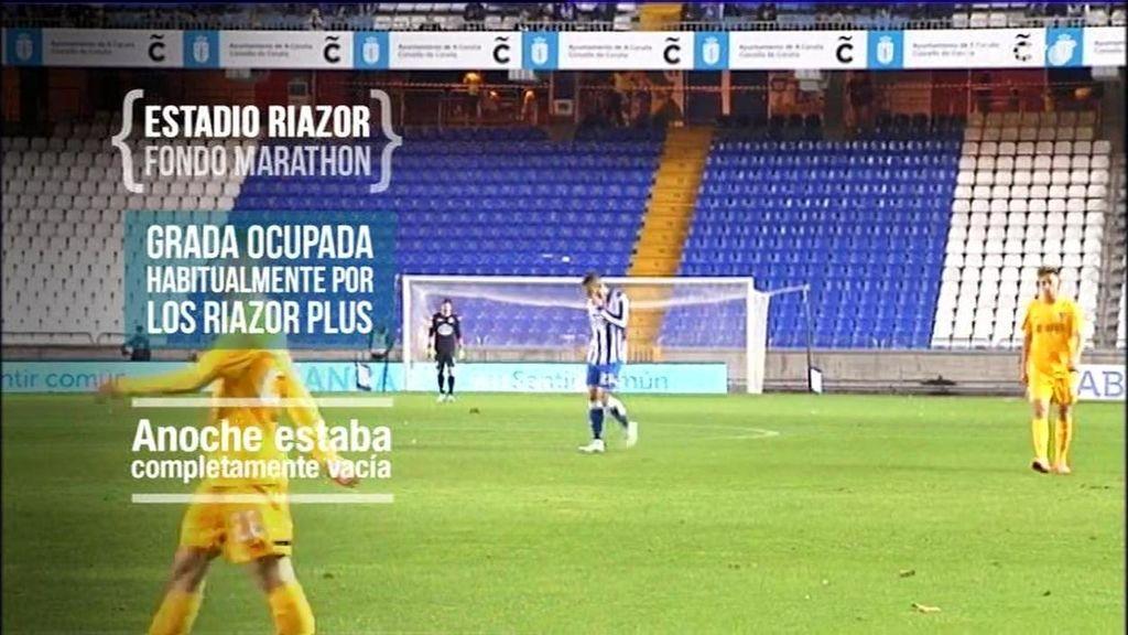 La grada vacía de los Riazor Blues deja a Riazor en silencio en el Deportivo-Málaga