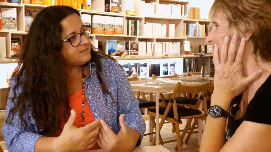 Mercedes recomienda a María 'Cosas que brillan cuando están rotas' de Nuria Labari