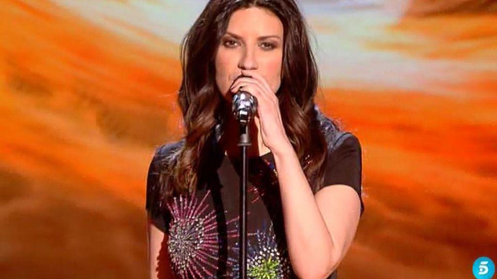 Laura Pausini canta 'Entre tú y mil mares' en la gala final de 'La Voz 3'