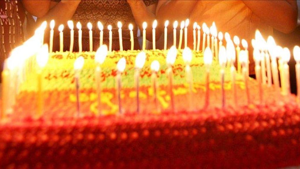 El japonés Jirouemon Kimura, el hombre más viejo del mundo ha cumplido 114 años. En la imágen, una tarta de cumpleaños. EFE / Archivo