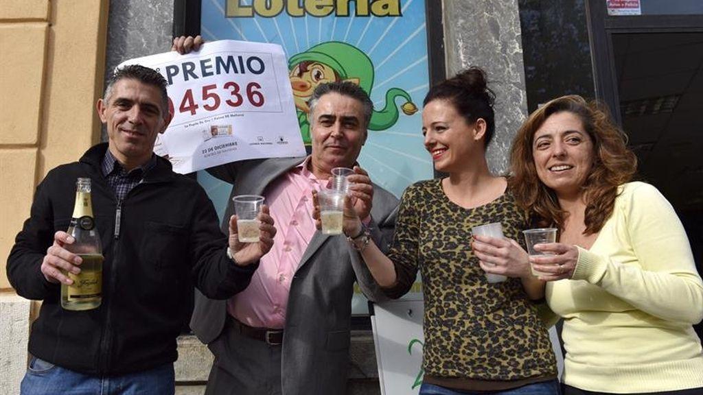 Palma celebra el segundo premio con el número 04.536