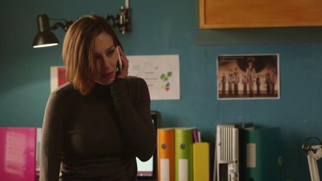 """Isabel recibe una importante llamada: """"Llevo días intentado contactar contigo"""""""