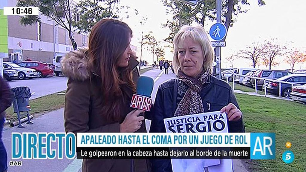"""Eva, madre de Sergio: """"Un chico le dejó inconsciente en el suelo y otro le apaleó"""""""