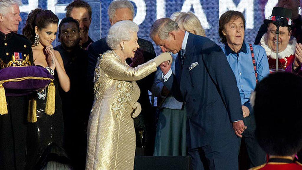 La reina Isabel II celebra sus 60 años en el trono con un macroconcierto