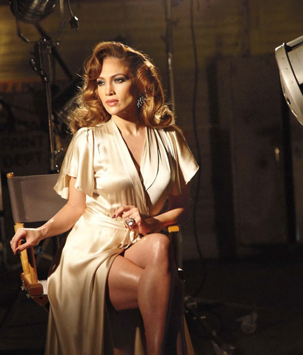 Jennifer Lopez presenta su nuevo perfume 'With Love & Light'
