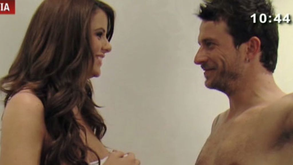 ¡Arturo y Arantxa se desnudan!