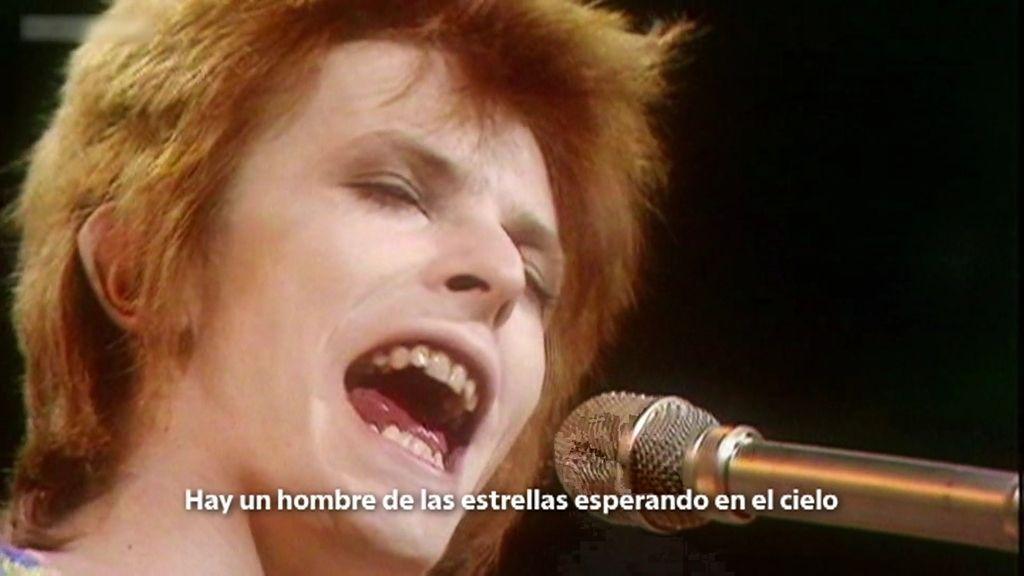 David Bowie y su relación con la ufología: vio un ovni aterrizado y fue abducido