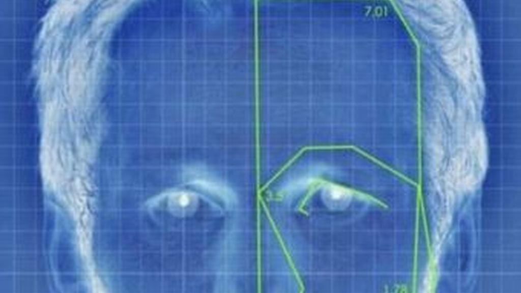 La herramienta de reconocimiento facial que usa Facebook para etiquetar las fotos que cuelgan los usuarios ha levantado mucha polémica entre las organizaciones y entes que protegen la privacidad.