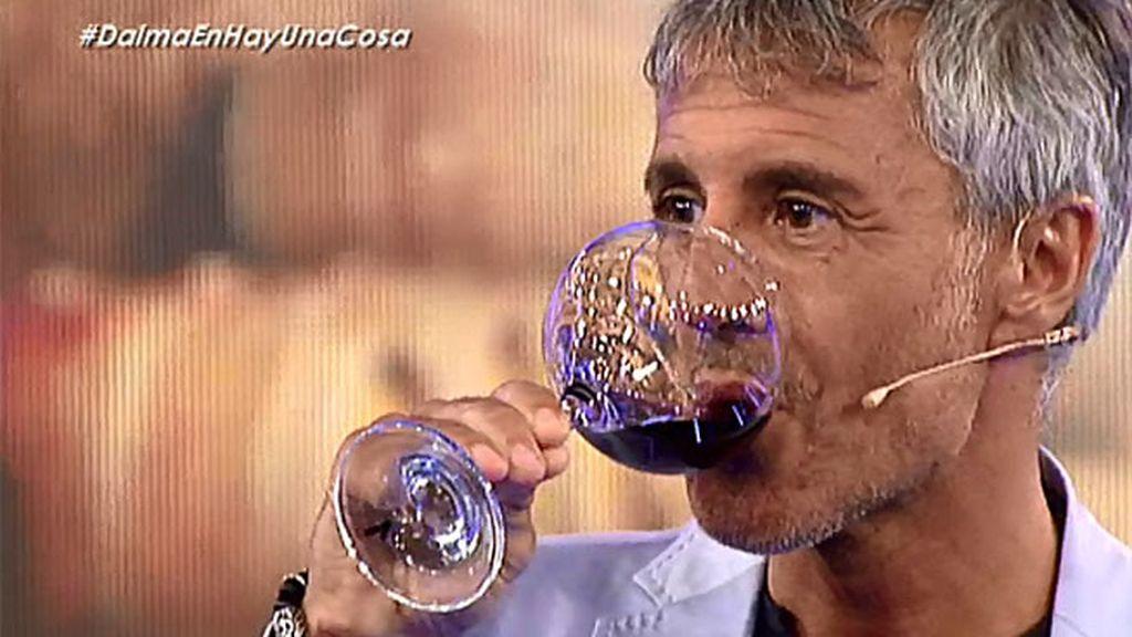 """Sergio Dalma: """"Antes de salir a cantar tomo una o dos copitas de vino"""""""
