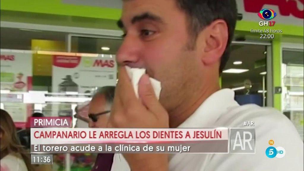 María José Campanario le arregla los dientes a Jesulín
