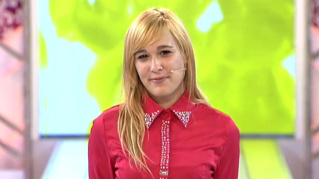 La camisa kitsch de Natalia espanta pero le da acceso a un cambio