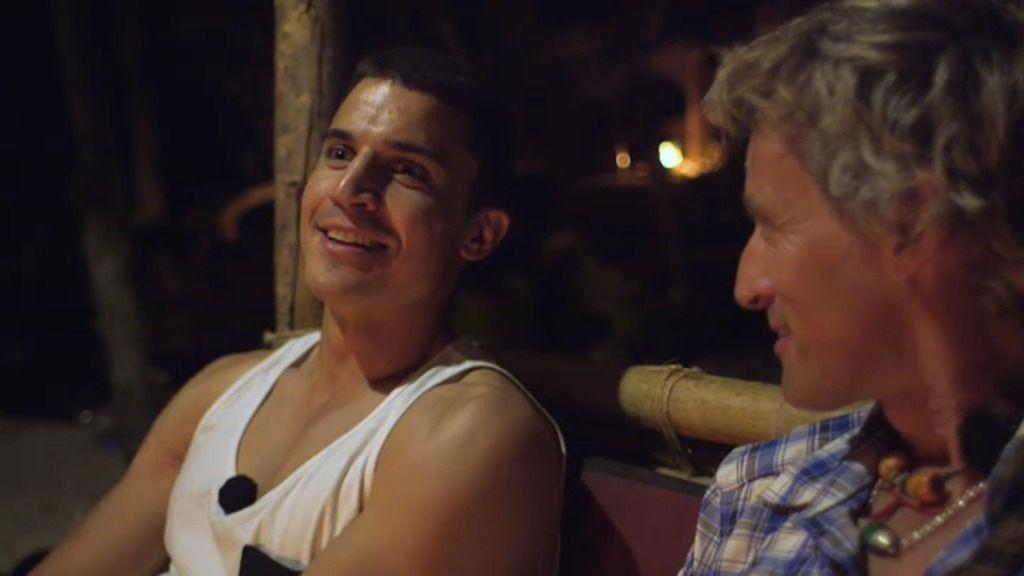 Álex González explica cómo rodó las escenas de sexo con Hiba Abouk