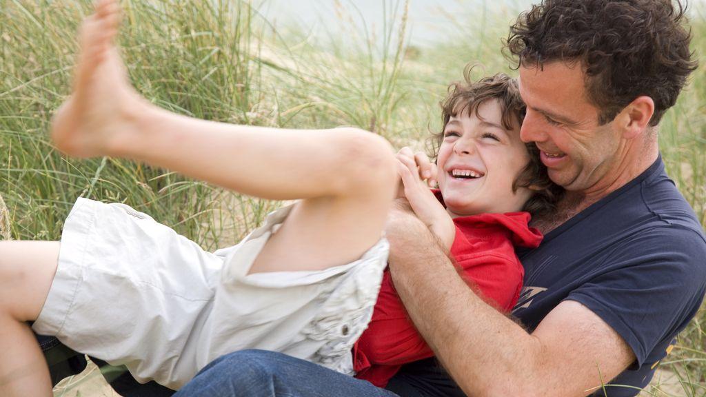 Los niños aprenden a desarrollar su sentido del humor imitando a sus padres