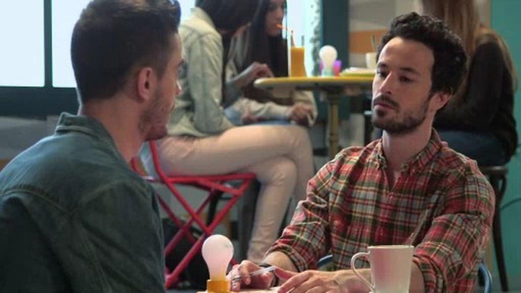 Néstor confiesa sus sentimientos a Lope durante la actuación de Manu Tenorio