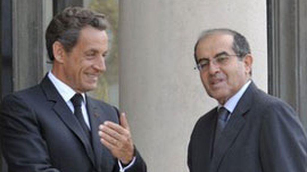 Nicolas Sarkozy y Mahmud Jibril, este miércoles en París. Foto: Reuters.