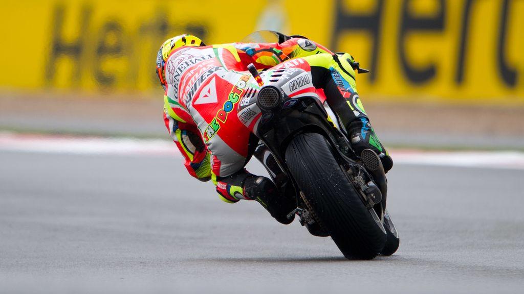 Una vista trasera de la Ducati de Valentino Rossi