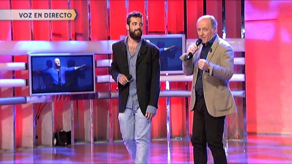 Manuel Soto y su hijo Marcos cantan 'Cuando vuelva a Sevilla en primavera'