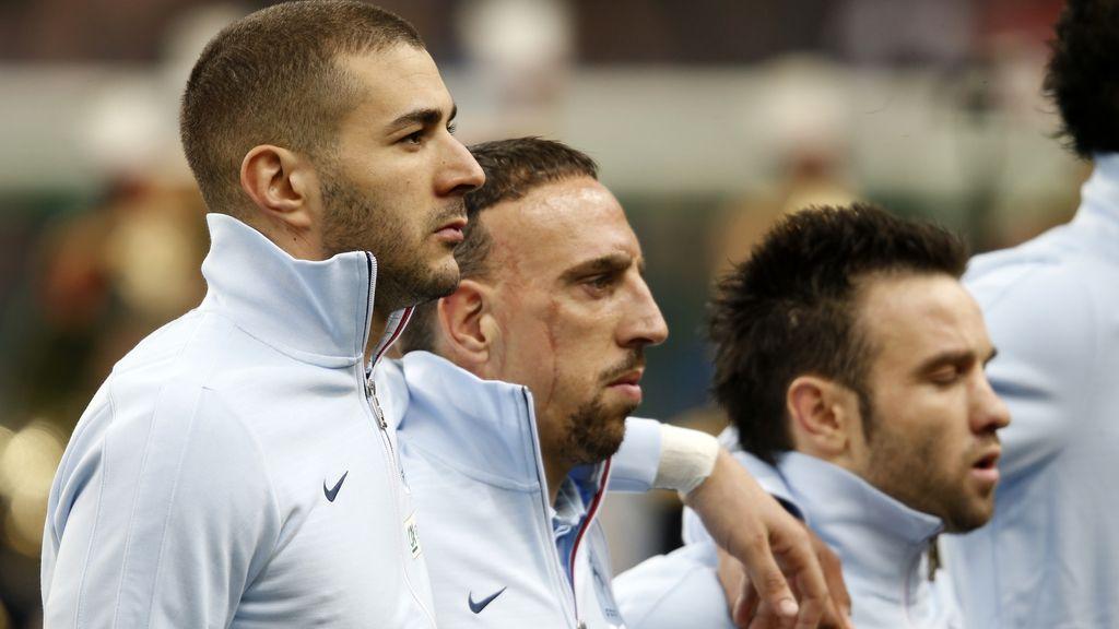 Karim Benzema no cantó la Marsellesa