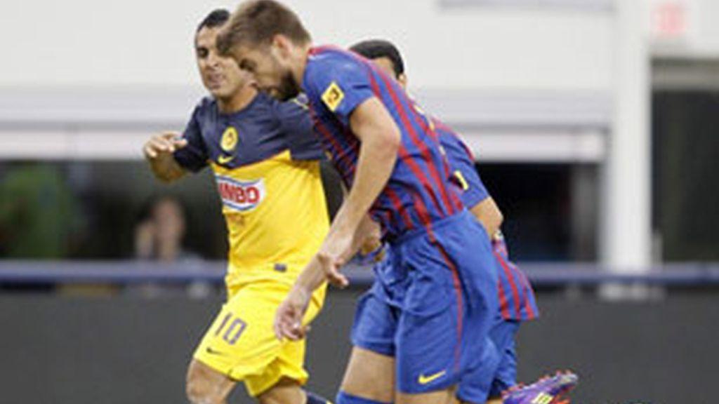 Gerard Piqué, una de las dudas para el partido de la Supercopa. Foto:Reuters