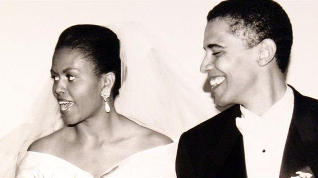 Barack Obama y su esposoa el día de su boda