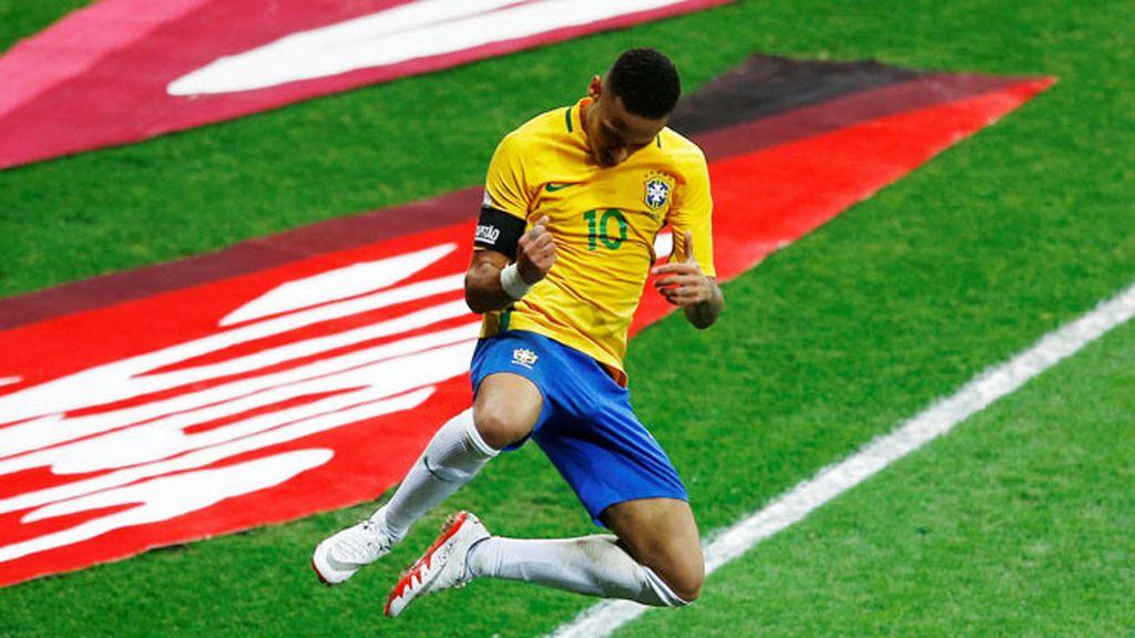 ¡Gol de Brasil! Neymar le da la puntilla a Argentina al filo del descanso (2-0)
